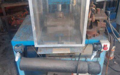 Hydraulic press w/ Vickers power pack
