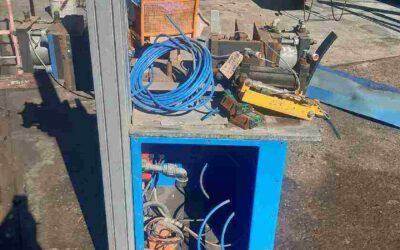 Pneumatic press/clamping unit